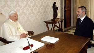 http://wpc2.narod.ru/01/boruch_xvi_di_segni_vatican.jpg