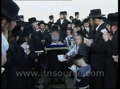 «Евреи» и «совки» Kapparot_chitka