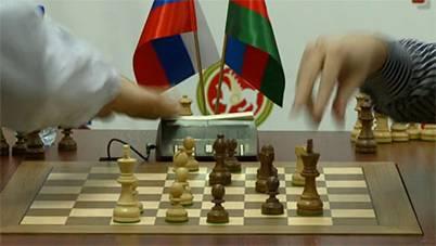 http://wpc2.narod.ru/01/kazan_kramnik_radjabov_1.jpg