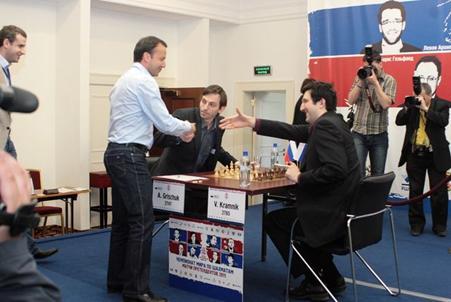 http://wpc2.narod.ru/01/kazan_levitov_dvorkovich_grischuk_kramnik.jpg