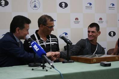 http://wpc2.narod.ru/02/nir_press_kirsan.jpg