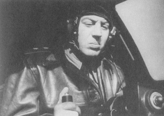 http://wpc2.narod.ru/02/stalin_vas_pilot_tu-4.jpg